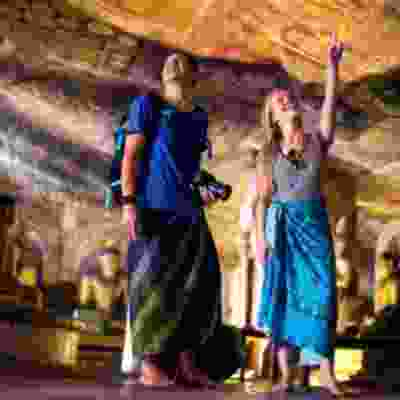 Group tour of Dambulla Rock Cave Temple
