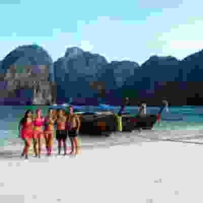 Group boat trip around Koh Phi Phi